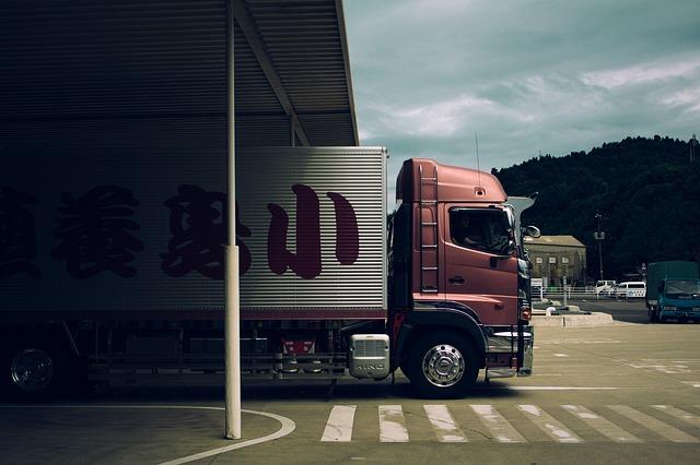 velký kamion, červená