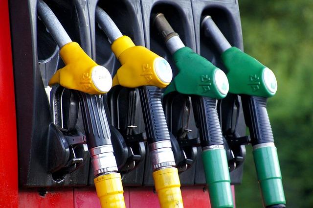 čerpadla benzinové pumpy.jpg