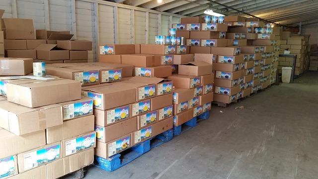 krabice ve skladu.jpg