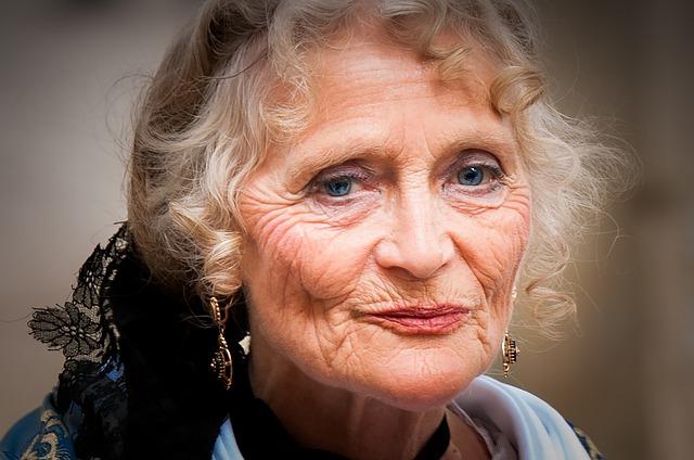 starší žena