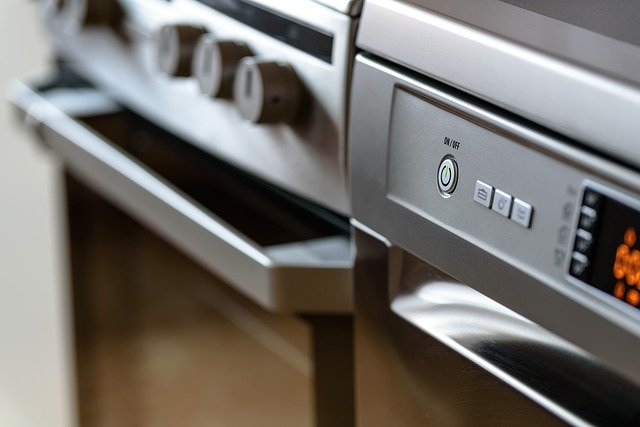 vypínače na kuchyňských spotřebičích
